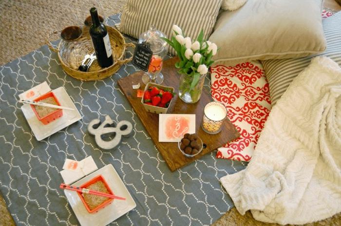 desayuno romántico en la cama, las mejores ideas sobre como soprender a tu pareja en bonitas imágenes, frambuesas frescas y vino tinto