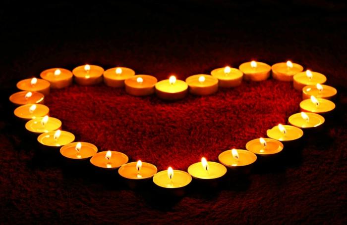 velas románticas en forma de corazón para una noche romántica con tu novio, ejemplos de imagenes bonitas sin frases