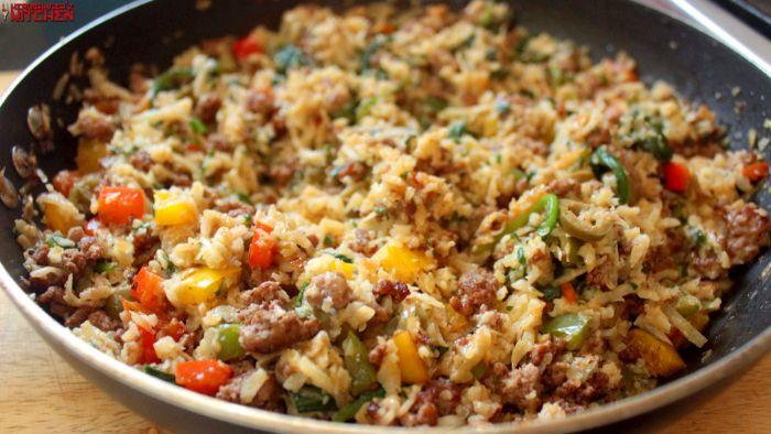 arroz con vegetales en sartén, originales ideas de recetas keto para toda la familia, recetas con arroz saludables en fotos