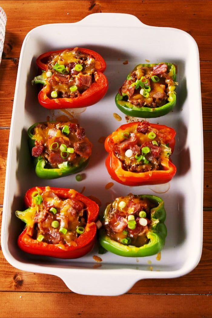 recetas fáciles y rápidas al horno, pimientos rojos y verde rellenos con calabacin verde, comidas ricas y fáciles de hacer en casa