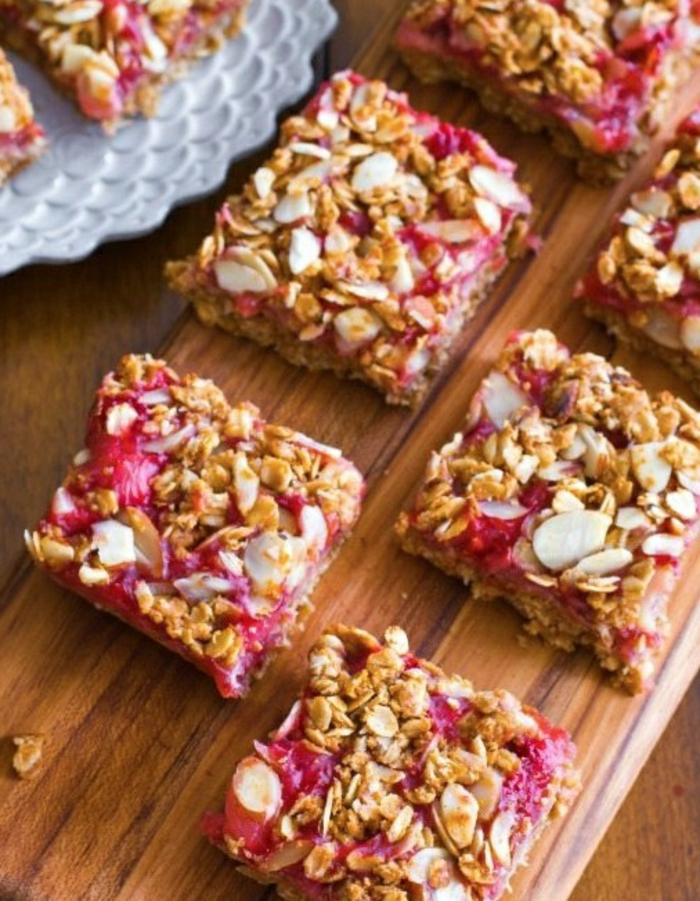 bloques de cereales con frutas, fantasticas ideas de meriendas ricas y fáciles de preparar en casa, fotos de comidas