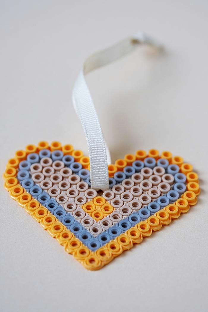 marcarpaginas DIY para regalar a tu pareja, originales ideas de regalos temáticos para tu novia, regalos para los amantes de la lectura