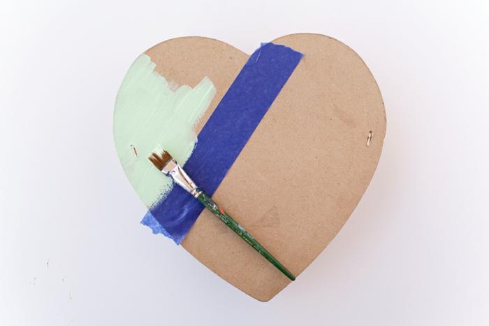 caja de cartón en forma de corazon, bonitas ideas de detalles para san valentin, regalos personalizados unicos en fotos