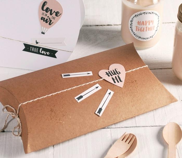 regalos personalizados para el dia de san valentin, ideas de regalos para hombres en san valentin, regalos temáticos