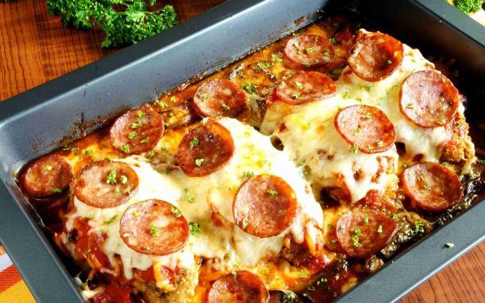 caserola con quesos y chorizo, ideas de platos ricos y fáciles de preparar en casa, dieta cetogenica menu semanal