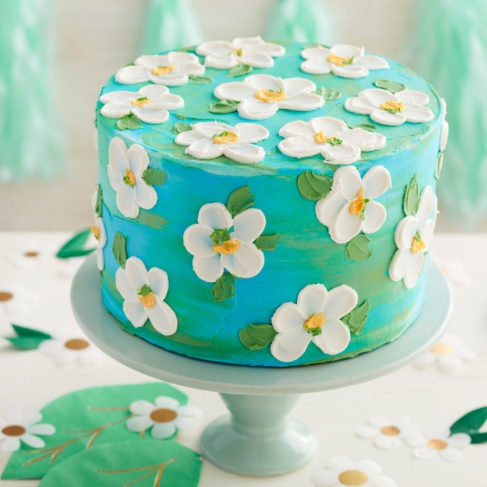 blue icing cake with pretty flowers made with royal icing, pictures of pretty birthday cakes, decorated cakes