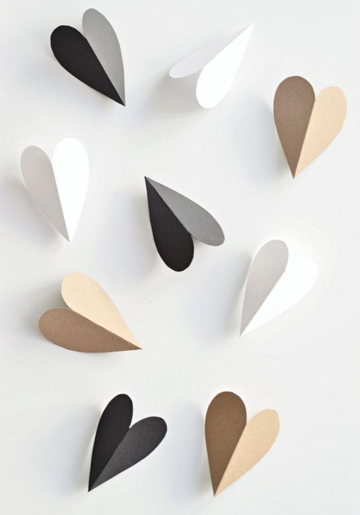 tarjetitas en forma de corazón de cartulina en blanco, negro y beige, notas de amor en mini tarjetas para sorprender a tu pareja