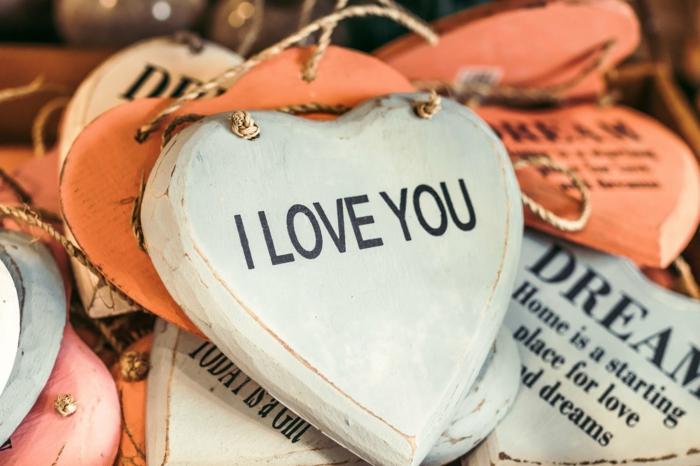 corazones de amor con letras románticas, fotos coloridas y bonitas para enviar a tu novio, ideas de imagenes san valentin