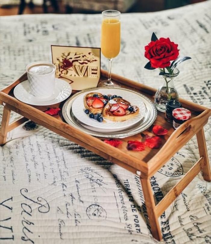 las mejores propuestas de desayuno en la cama, fotos de desayunos sorpresa románticos, recetas faciles para sorprender
