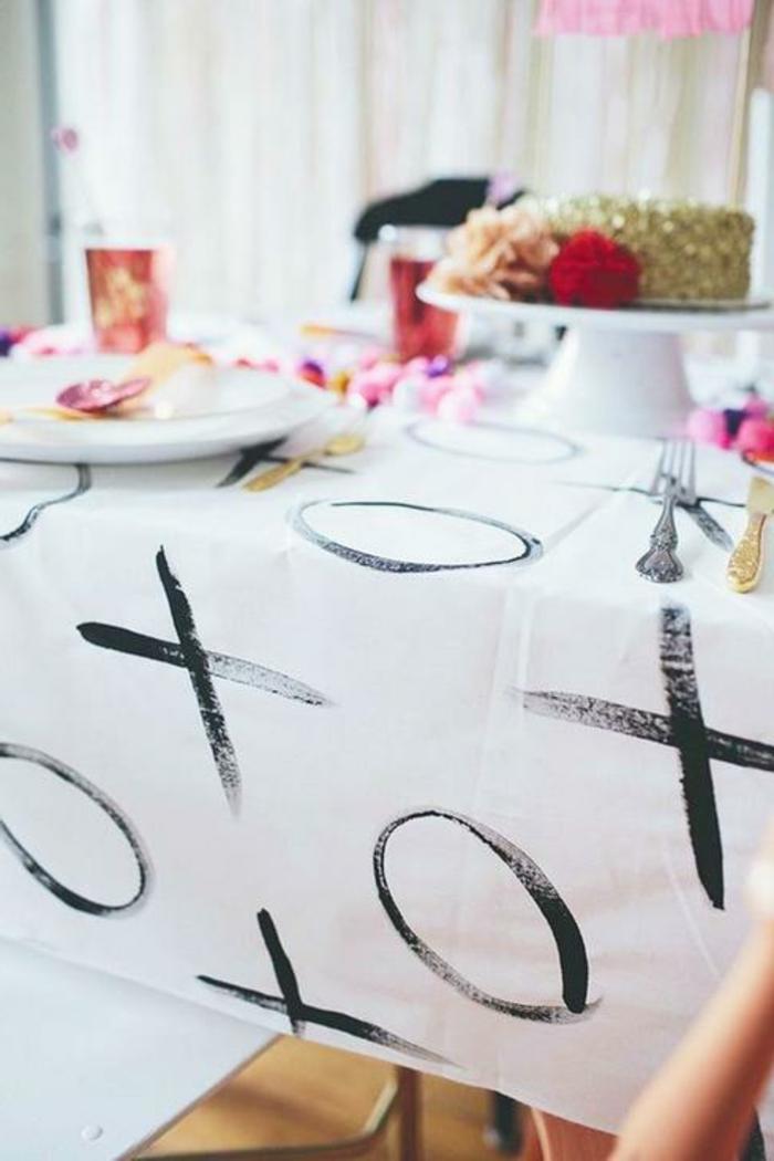 originales ideas sobre cómo puedes decorar la mesa para una cena de San Valentín, manualidades caseras fáciles y rápidas