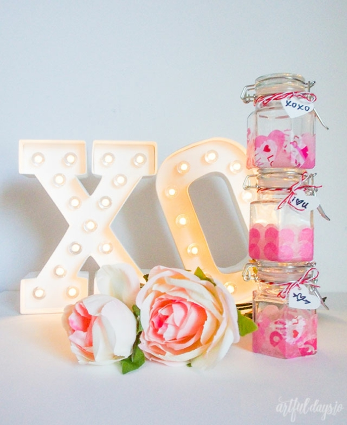 detalles romanticos para regalar hechos a mano, frascos DIY decorados con corazones de papel bonitos, decoracion san valentin ideas