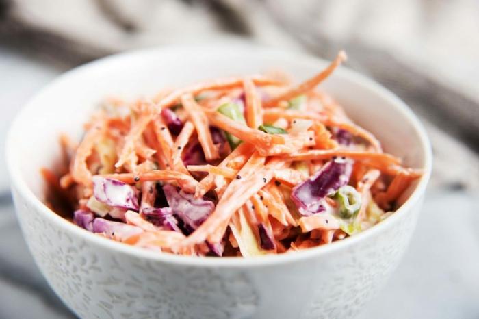 ensaladilla con vegetales saludables para una dieta equilibrada, fotos de comidas sanas para preparar en tu casa merienda