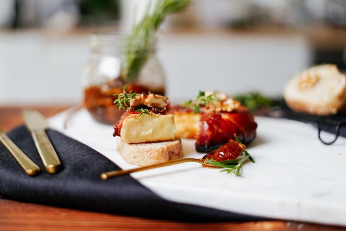 entrantes para hacer en casa ideas de aperitivos faciles y rapidos comidas cetogenicas fotos de recetas caseras queso envuelto de jamon recetas saludables