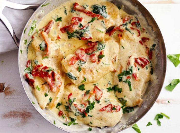 pollo rico en salsa cremosa con espinacas y pimientos rojos, más de 90 imagenes con dieta cetogenica ejemplo bonito