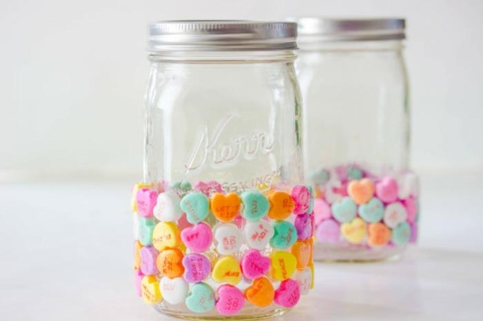 ideas de detalles romanticos hechos a mano, manualidades para decorar la casa en san valentin, manualidades paso a paso