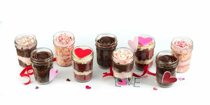 frascos con postres originales, regalos de san valentin para hombres, las mejores ideas sobre como sorprender a tu pareja