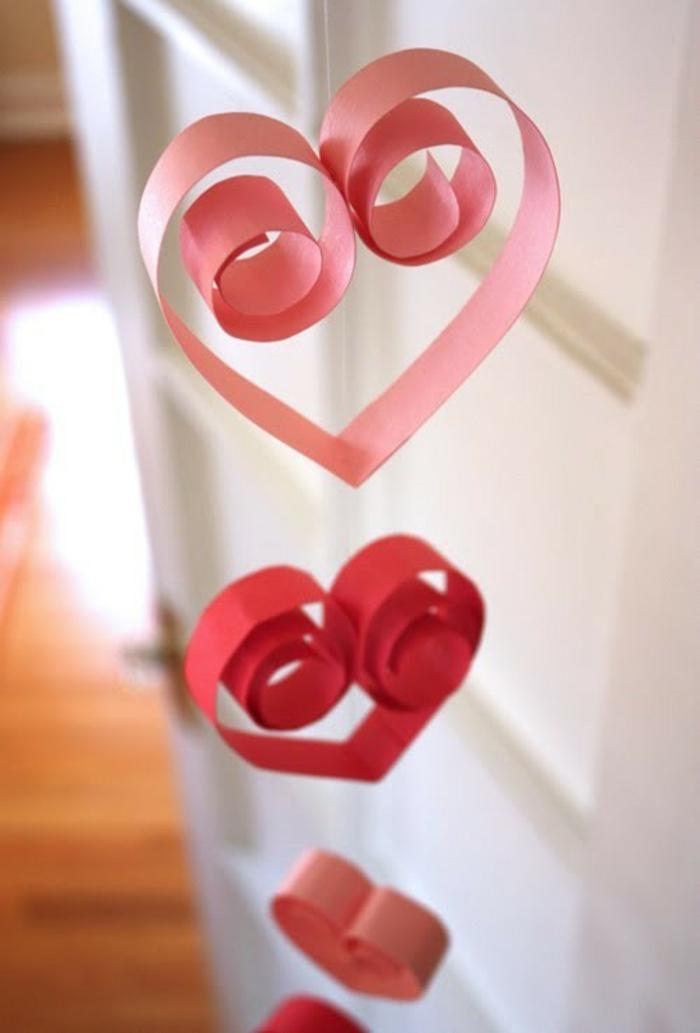 elementos decorativos de papel super originales, corazones de papel en diferentes colores, fotos de manualidades de papel