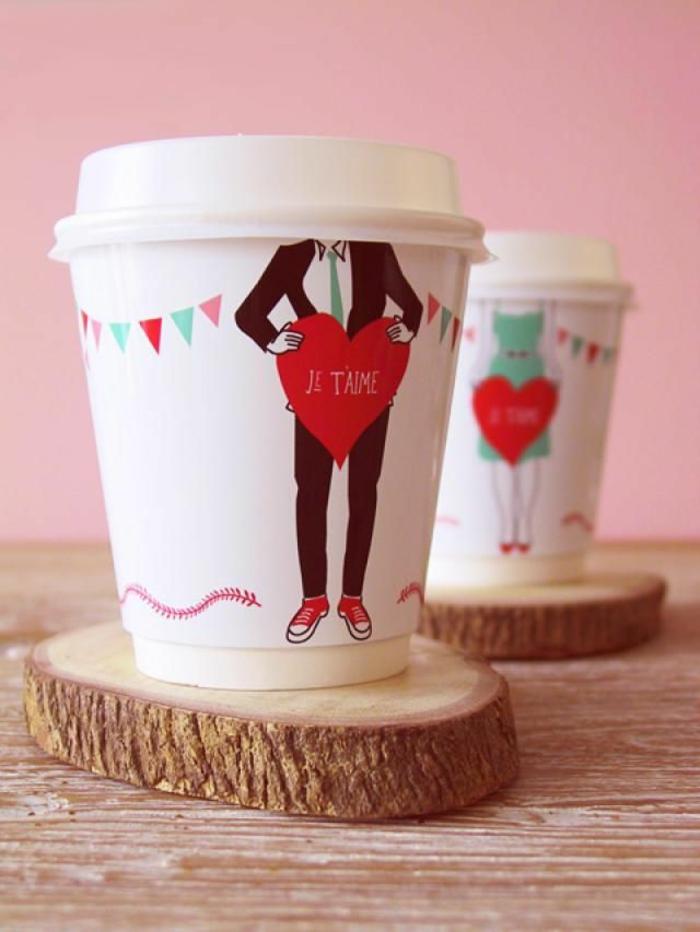 tazas de café decoradas, ideas de detalles san valentin y decoracion casera para el día de los enamorados, fotos de elementos decorativos