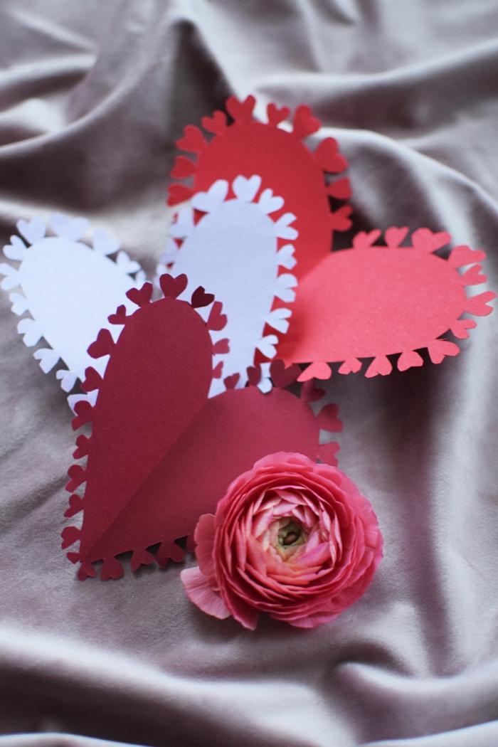 mini tarjetas de cartulina en forma de corazón, detalles para regalar y decorar la casa, fotos de decoraciones para decorar
