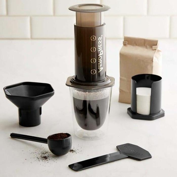 máquina de café especial para regalar a tu novia en san valentin, originales ideas de regalos de san valentin para hombres y mujeres