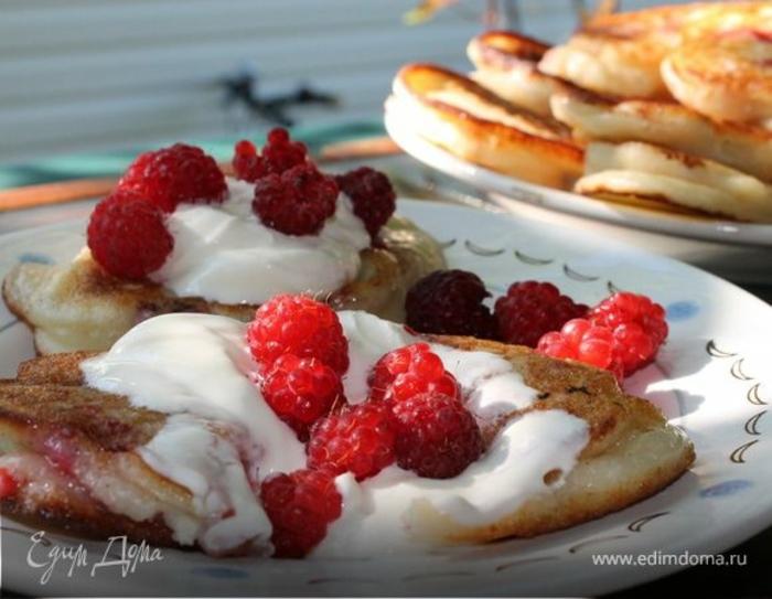 crepes esponjosos con crema y frambuesas, las mejores recetas de comidas desayuno san valentin