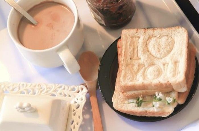 tostadas especiales para el dia de san valentin, fotos de desayunos románticos y originales, ideas de desayunos en fotos