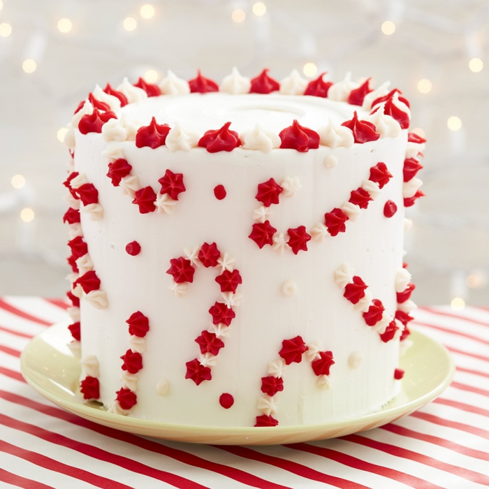 how to make little sugar sighs to decorate cakes, simple cake decorating ideas, photos of decorated cakes