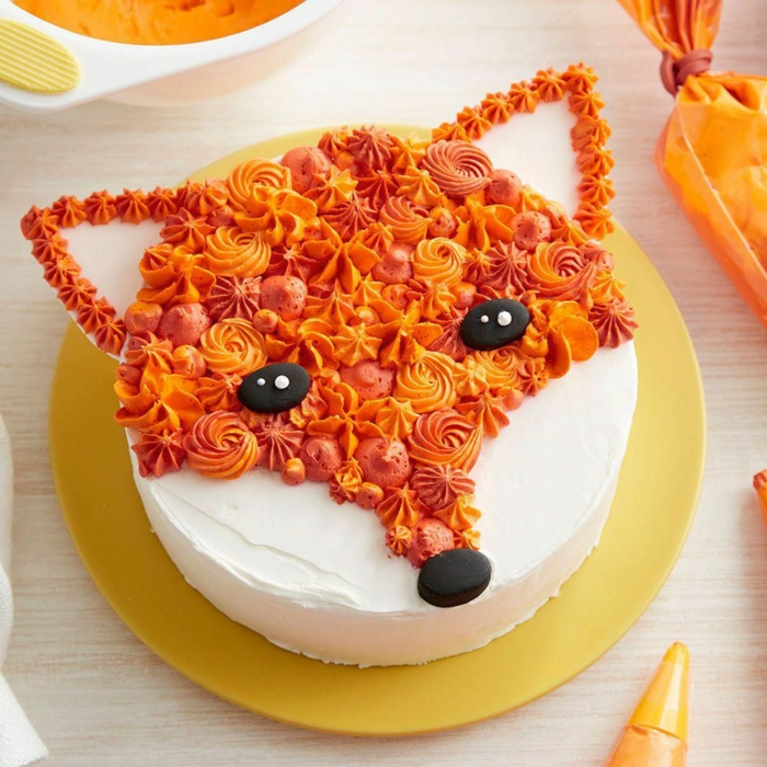 animal shaped cakes for little ones and adults, fox shaped birthday cake, original cake ideas