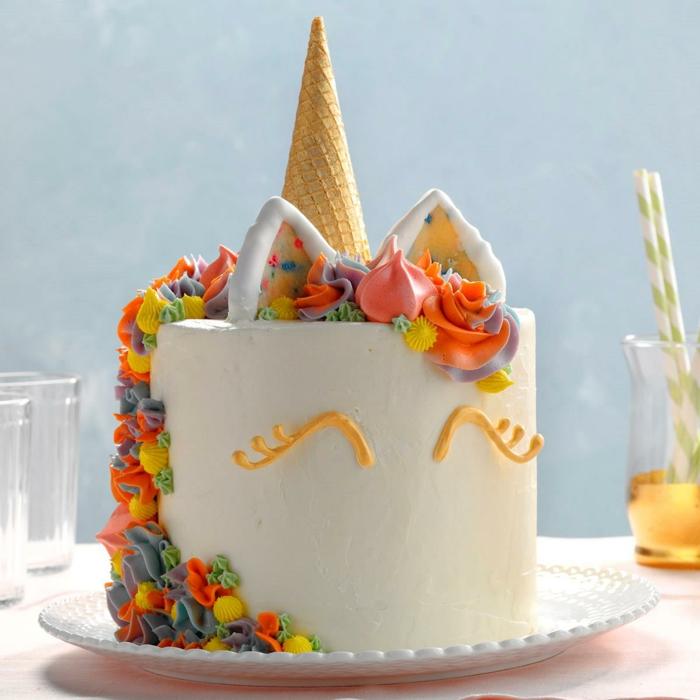 tarta unicornio casera, preciosas ideas de tartas para cumpleaños eventos especiales, ideas de tartas para hacer en casa