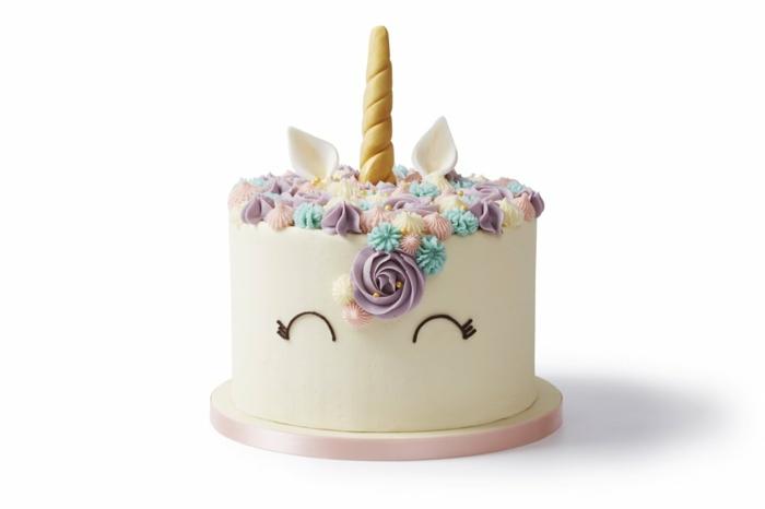 como preparar un pastel unicornio original y fácil, tarta personalizada rica con suspiros de crema, ideas para hacer tartas