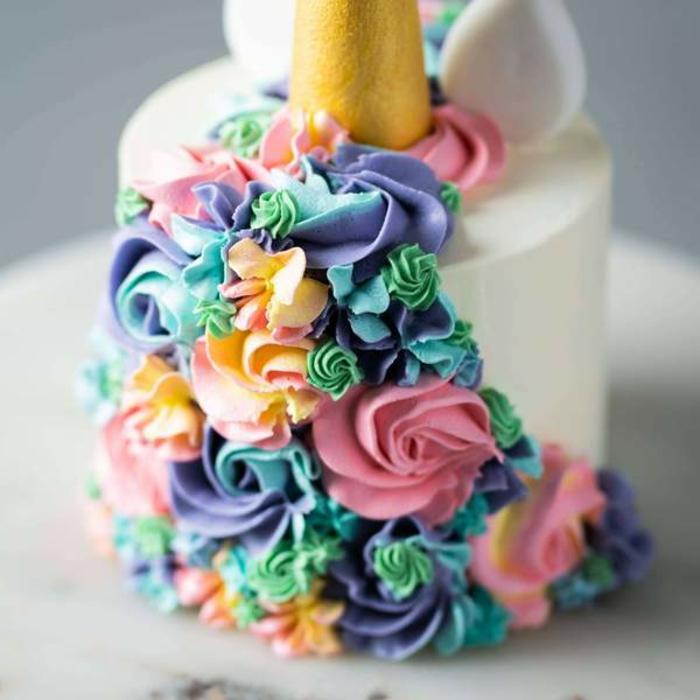tartas caseras super originale,s como decorar una tarta unicornio paso a paso, decoracion de tartas ideas originales