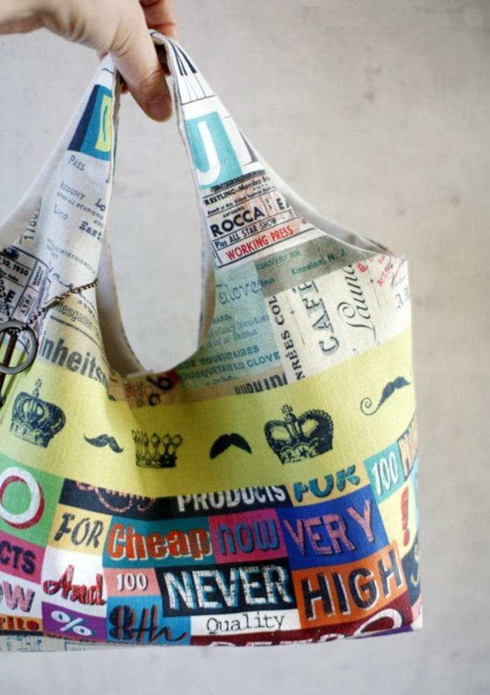 bolsa de tela en bonitos colores, ideas de manualidades con reciclaje, fotos de como hacer bolsas de tela ideas faciles