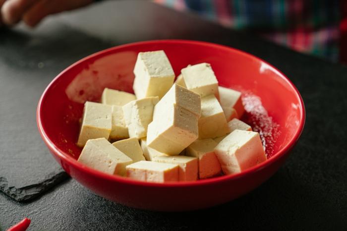 trozos de tofu en marinado, las mejores ideas de recetas caseras faciles y rapidas, comidas para llevar al trabajo