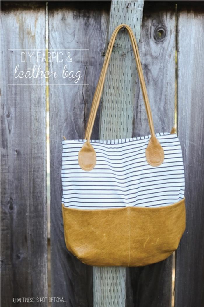 bonito bolso de cuero falso y tela en rayas, originales ideas sobre como hacer tote bag tela de residuos de telas que tienes en casa