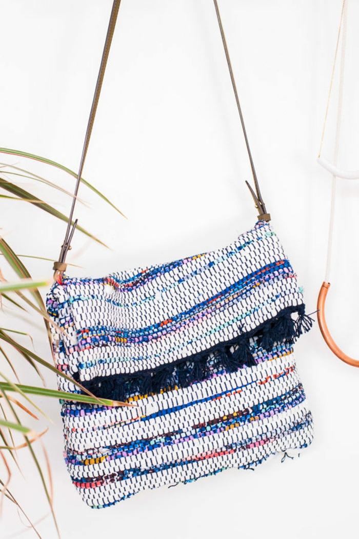 bolsos de tela e hilo super coloridos y originales, tote bag tela hecho de hilo, fotos de manualidades para regalar