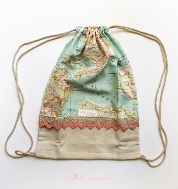 como hacer bolsos de tela modernos, bolso saco reutilizable de tela original, fotos de manualidades con reciclaje para regalar