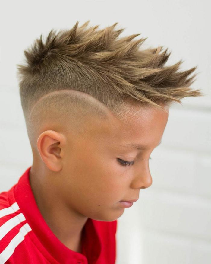 las mejores ideas de cortes de pelo con rayas, ejemplos de peinado halcon, fotos de peinados corte de pelo degradado