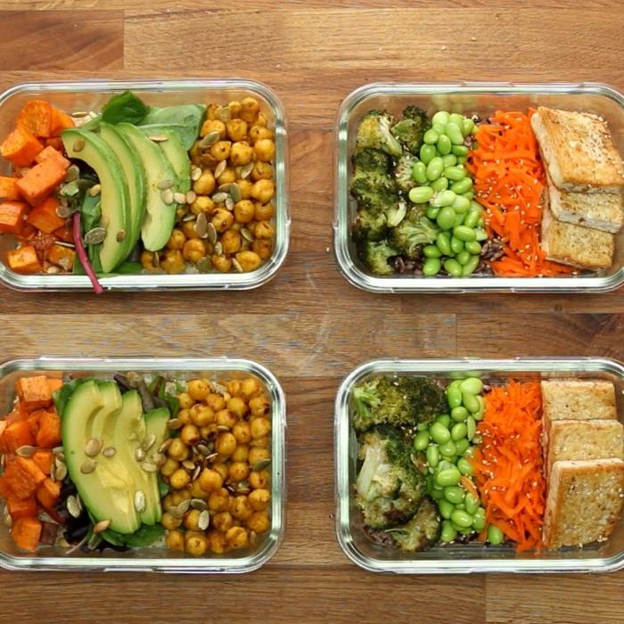 tuppers saludables para los que no comen carne, ideas de recetas veganas, garbanzos con aguacate, batatas y tofú