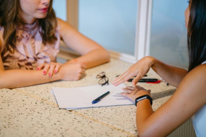 como presentarse con éxito a una entrevista laboral, trucos y reglas básicas para escribir el currículum paso a paso