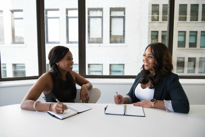 los mejores consejos sobre como escribir tu currículum para acertar en una entrevista laboral, 5 consejos para dejar buena impresion