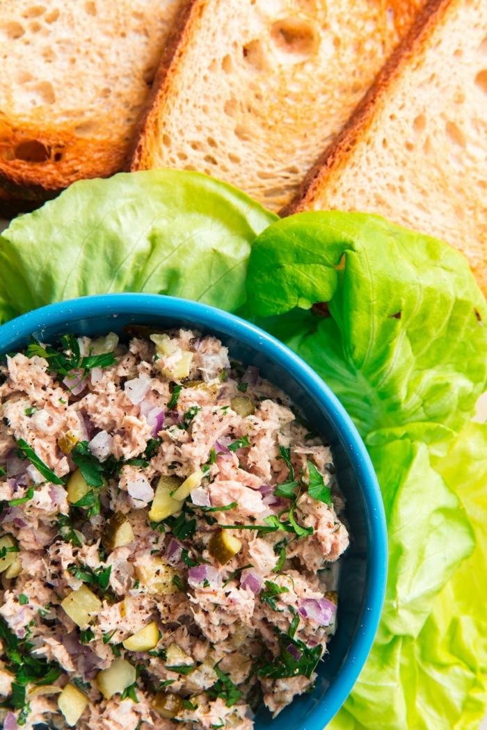 ensaladas con atún ricas y saludables, combinaciones de ingredientes, ideas de comidas sanas y ricas que comer para adelgazar