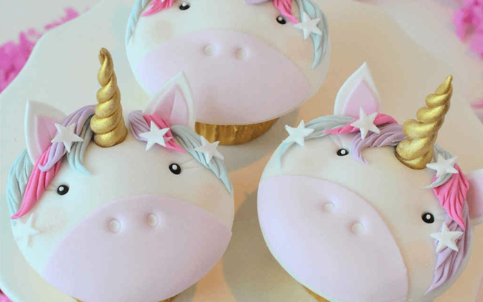 ideas sobre como hacer una tarta en fotos, magdalenas unicornio y otros pasteles decorados para fiestas infantiles