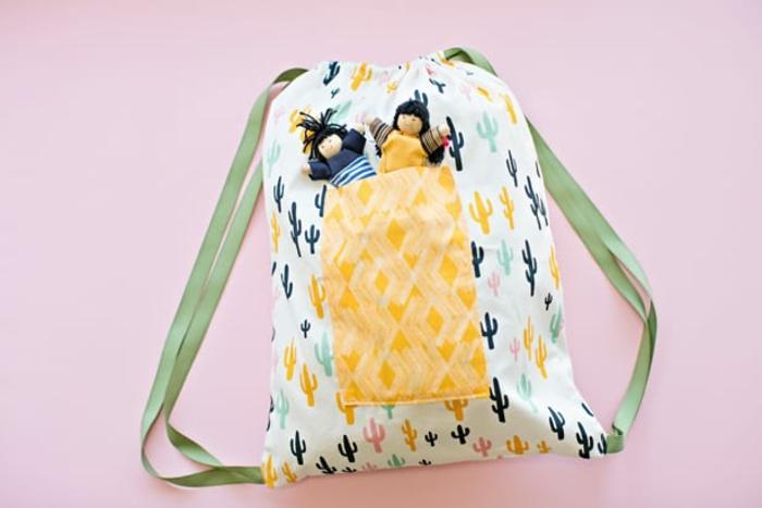 bolsos de tela super originales para hacer de trozos de tela, fotos de bolsos DIY originales y bonitos, imagenes de manualidades con reciclaje