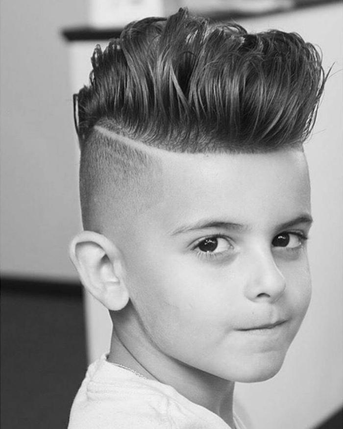 fotos bonitos de cortes y peinados modernos con copete, como hacer un tope, peinados en estilo vintage