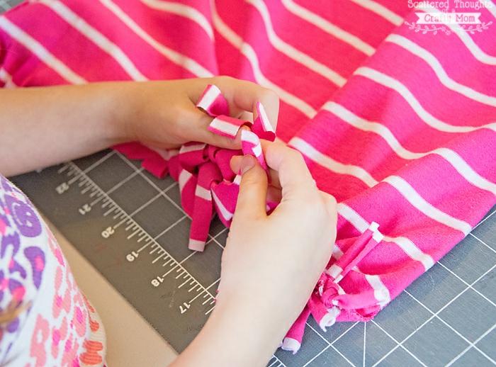 como hacer un bolso de tela reciclada paso a paso, bolsos originales y super fáciles de hacer, fotos de bolsos DIY