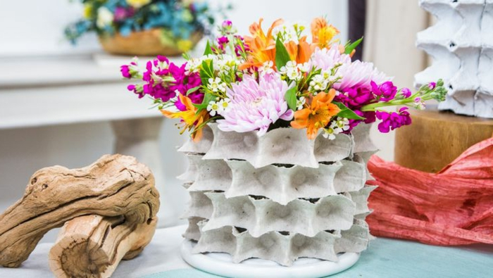 manualidades en 5 minutos originales y bonitas, centro de mesa DIY original, fotos de decoracion casera bonita en primavera