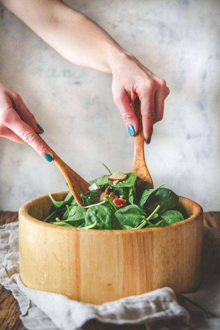 recetas economicas para todos los dias con productos saludables, ideas de platos con espinacas frescas en fotos