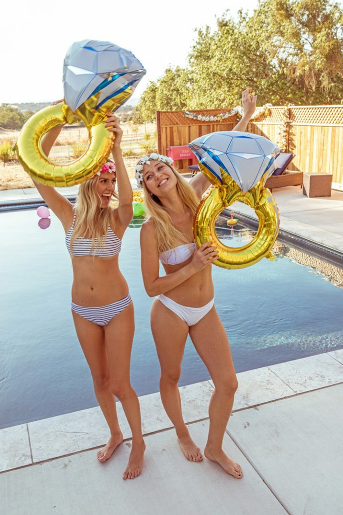 alucinantes ideas de que hacer en una despedida de soltera, despedidas de soltera en una casa con piscina para alquilar