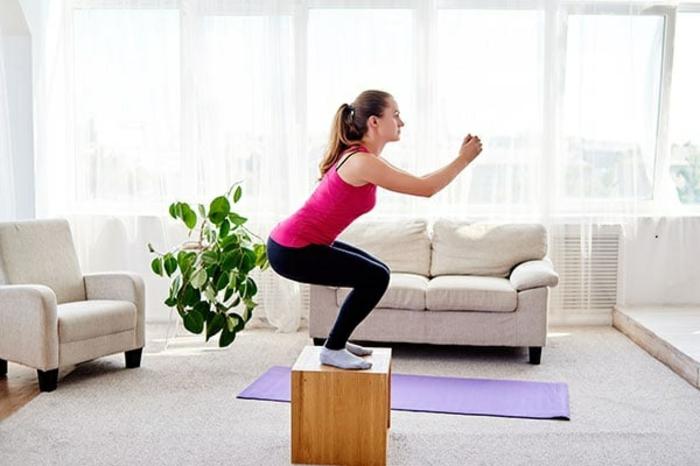 ejercicios para gluteos originales sin equipo, fotos con ideas de entrenamiento original, como entrenar en casa paso a paso