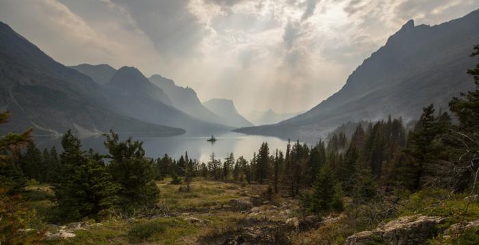 la belleza espectacular de la naturaleza, imagenes con frases positivas y fotos de paisajes montañosos para descargar